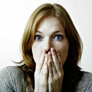 woman-horrified-look 2_bp_blogspot_com